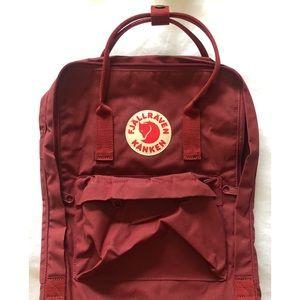 Fjallraven Kanken maroon backpack